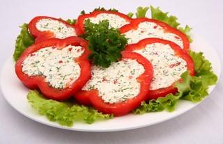6 плодов болгарского перца. зелень укропа.  3 ст. ложки майонеза.