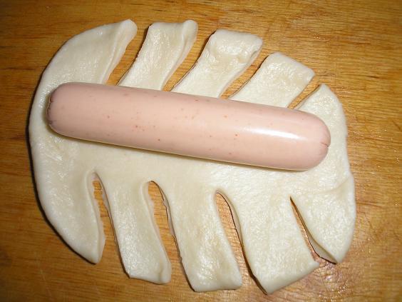Сосиска в тесте рецепт в духовке на шпажках