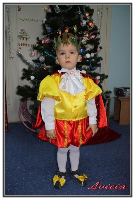 Новогодний костюм для маленьких мальчика своими руками