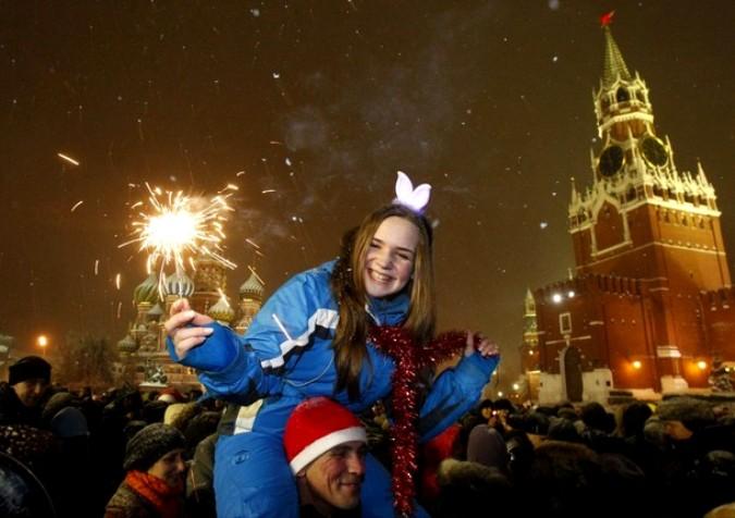 Новый год празднуют 31 декабря