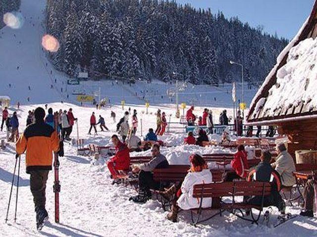 Рекомендуем : поездку в Закопане ( 15 евро ) .  Известный зимний курорт и туристический центр Польши...