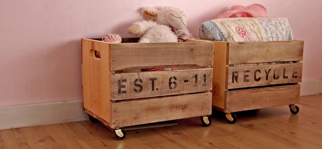 Деревянный ящик на колесах