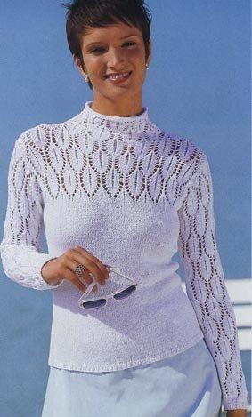 вязание спицами пуловер с ажурными рукаами и кокеткой.