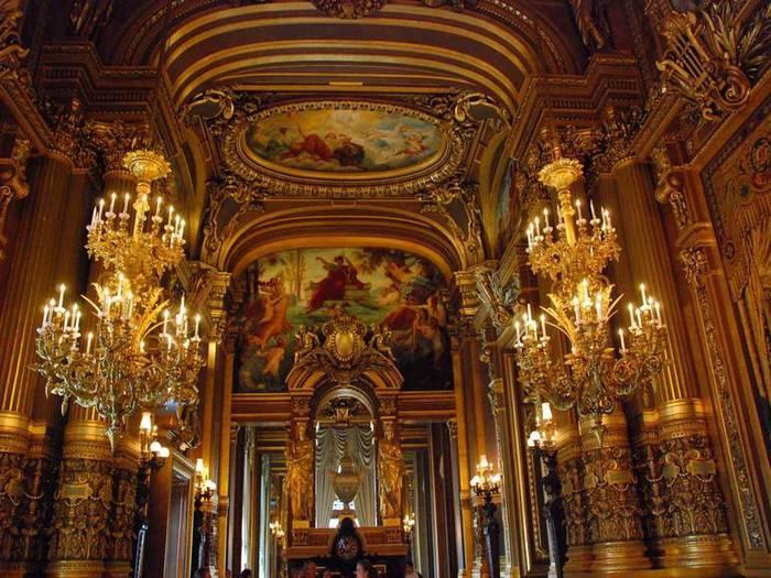 """Официальное название  """"Опера Гарнье """" или  """"Дворец Гарнье """" (Palais Garnier), прежние названия  """"Национальная академия..."""