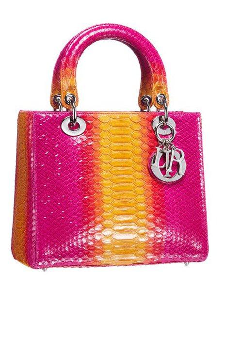 Яркая сумка от Christian Dior лето 2011.