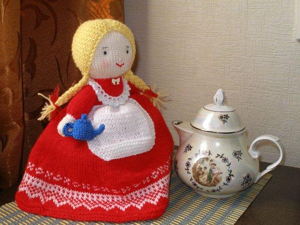 Вязаная кукла грелка на чайник своими руками 11