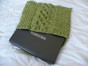Вязаный чехол для ноутбука Вязание.