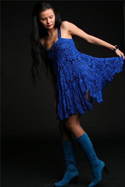 Эффектные вязаные платья-сарафаны.