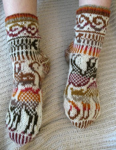 Knitting Pattern For Cat Socks : cats diagram for knitting socks and mitterns make ...