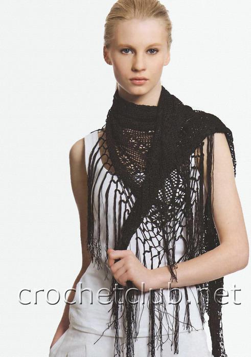 СХЕМА.  Стильный платок связан из тонкой пряжи в филейной технике.