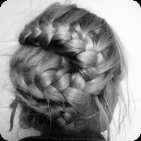 Женственность в волосах.  Локоны, цветы, косы.