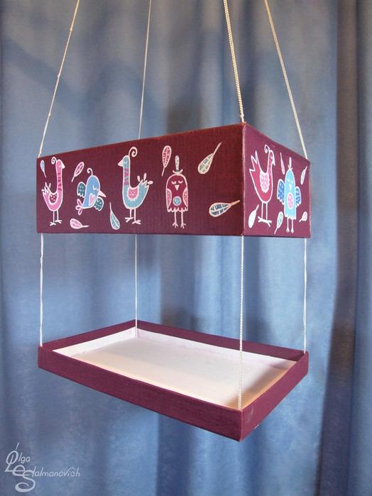 Кормушка для птиц из коробок своими руками фото