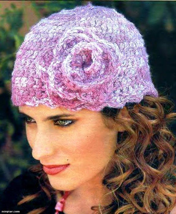 вязание спицами шапок для женщин.