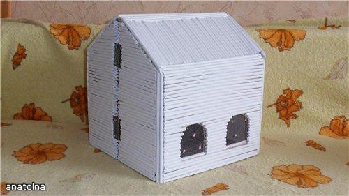 Домик из бумажных бревен