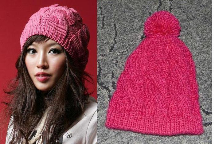 Женская вязанная шапка с