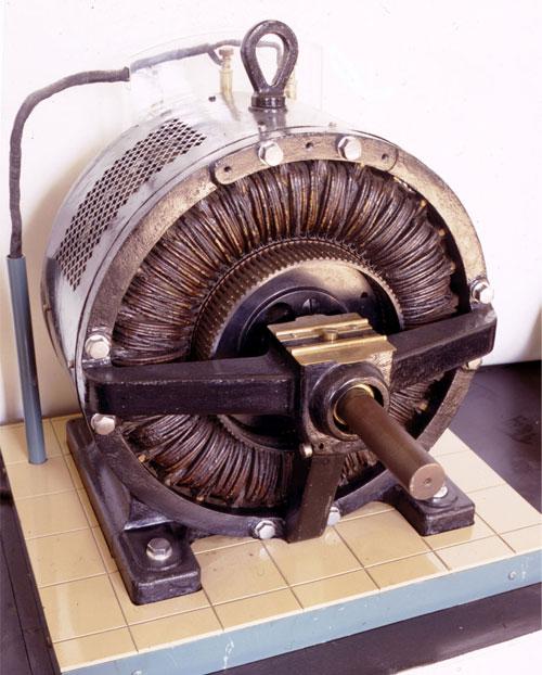 ...с обмоткой и магнитную оболочку самого двигателя.