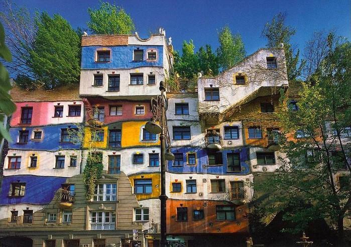 http://img0.liveinternet.ru/images/attach/c/2/72/501/72501088_HundertwasserKrawinahausWienvi.jpg