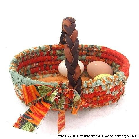 Из лоскутков ткани ожно сшить очаровательные вещицы - игрушки, одеяла...