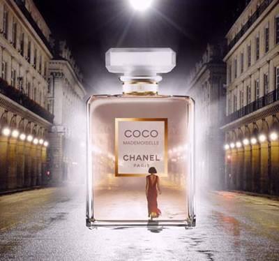 У меня сейчас Coco Chanel Mademoiselle.  Очень приятный запах.