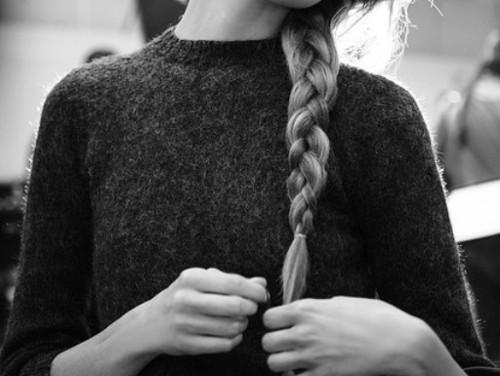 Фото красивых девушек блондинок черно