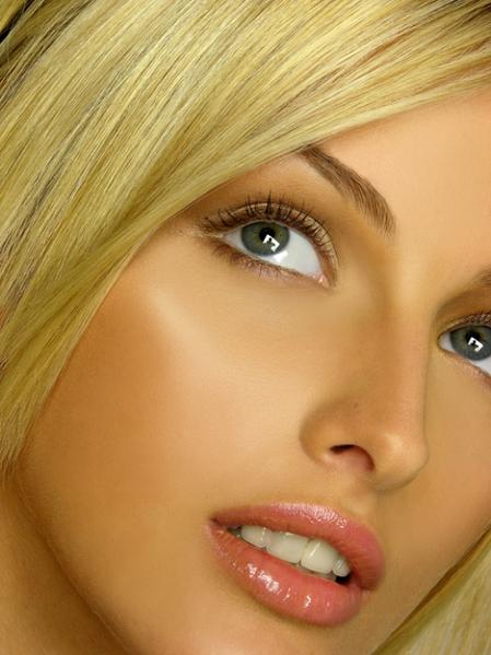 Макияж находится также в разделах: макияж чикаго, нивея визаж отзывы и...