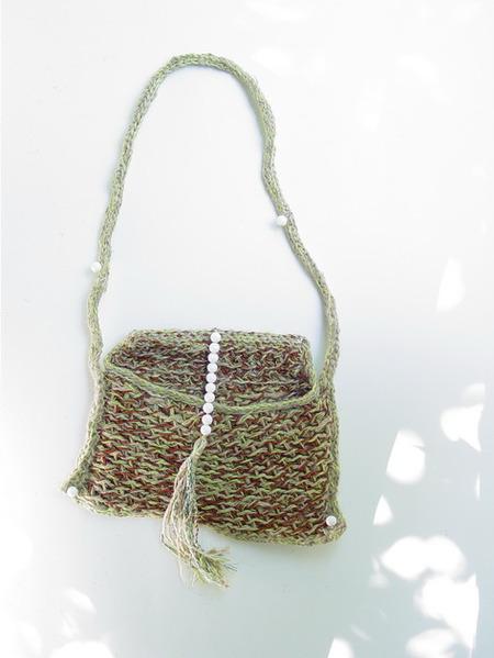 Шарфики и одна из сумок сделаны на иглопробивной машине, другие сумки - вязаные из лоскутов.  И это ещё не всё.
