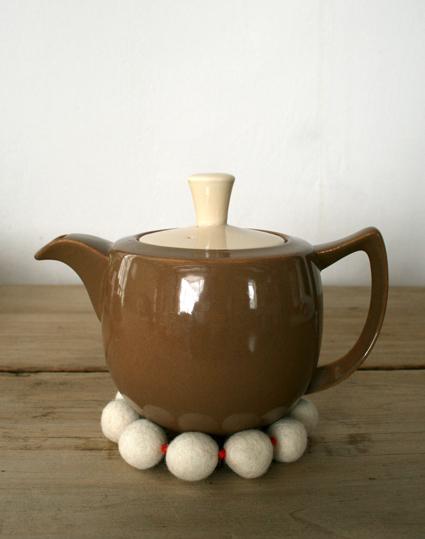 trivet-tea-pot-425 (425x539, 161Kb)