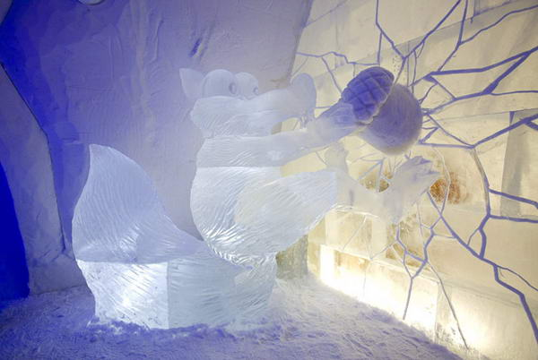 ice-hotel-squirrel_8 (600x402, 33Kb)