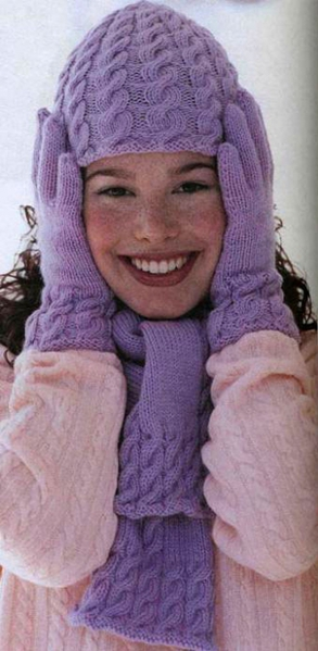 Шапка ,шарф и перчатки - косы