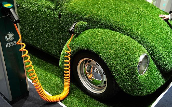 зеленый автомобиль (675x423, 317Kb)