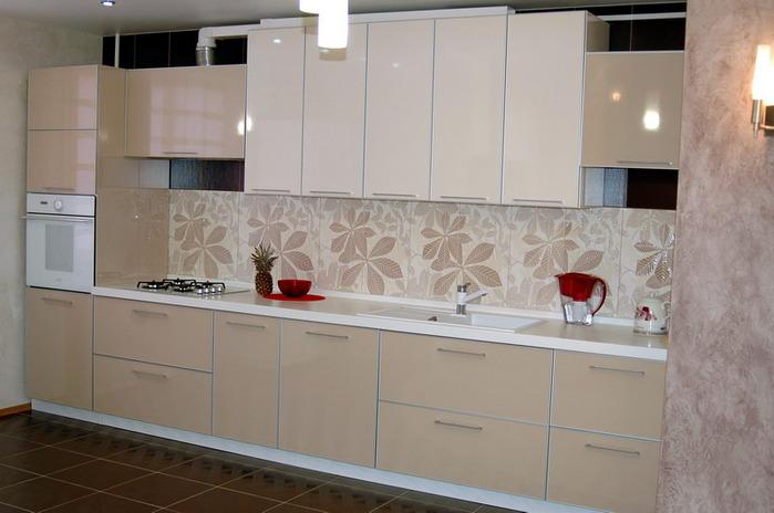 Фото кухни кремового цвета