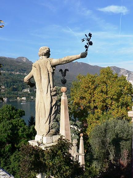 Дворец Борромео ( итал. Isola Bella - красивый остров ) 33866