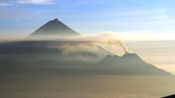 Вулкан Бзымянный (360x203, 39Kb)
