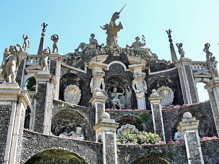 Дворец Борромео ( итал. Isola Bella - красивый остров ) 48122