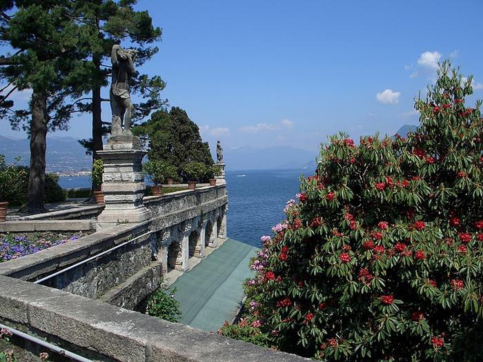 Дворец Борромео ( итал. Isola Bella - красивый остров ) 42755