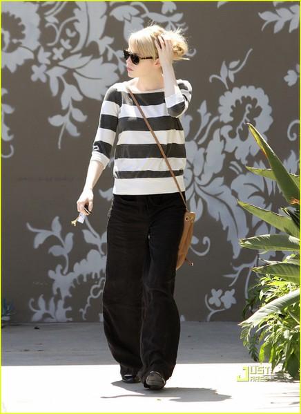 emma-stone-striped-sweater-decor-shop-01 (436x600, 65Kb)