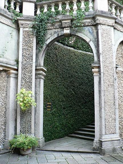 Дворец Борромео ( итал. Isola Bella - красивый остров ) 60140