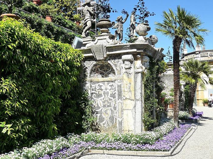 Дворец Борромео ( итал. Isola Bella - красивый остров ) 81021