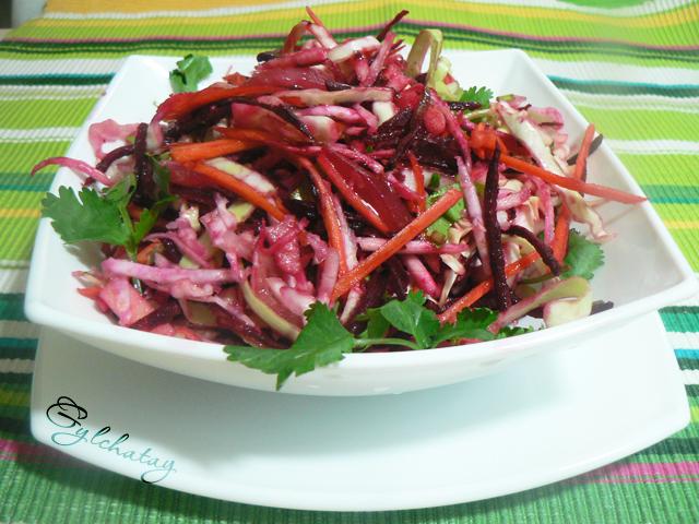 салат со свеклой и свежей капустой