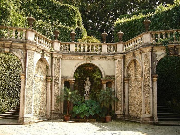 Дворец Борромео ( итал. Isola Bella - красивый остров ) 42318