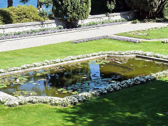 Дворец Борромео ( итал. Isola Bella - красивый остров ) 75004