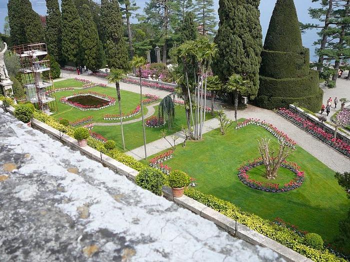 Дворец Борромео ( итал. Isola Bella - красивый остров ) 35778