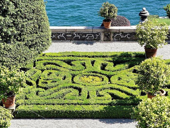 Дворец Борромео ( итал. Isola Bella - красивый остров ) 98013