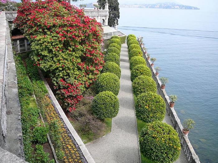Дворец Борромео ( итал. Isola Bella - красивый остров ) 54297