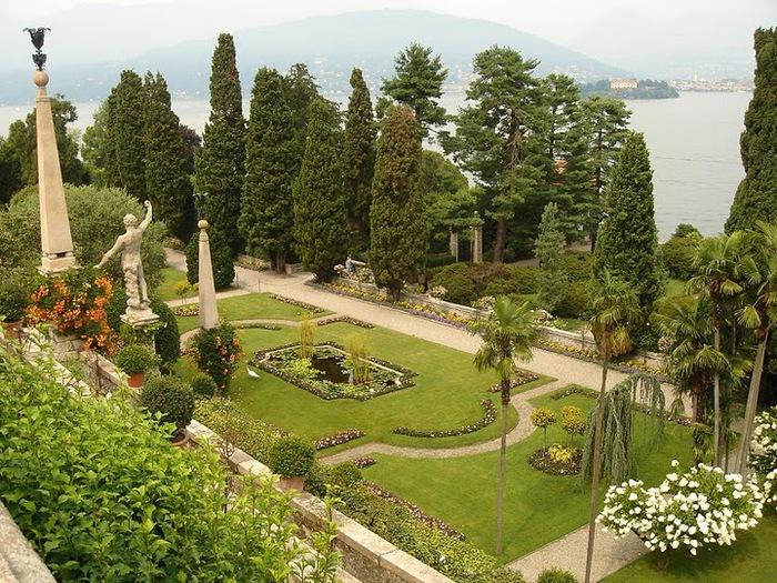 Дворец Борромео ( итал. Isola Bella - красивый остров ) 55485