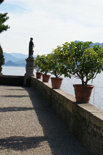 Дворец Борромео ( итал. Isola Bella - красивый остров ) 33517