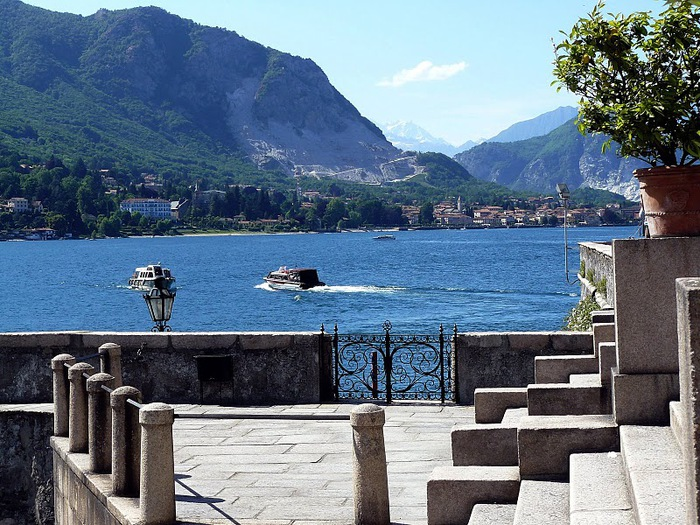 Дворец Борромео ( итал. Isola Bella - красивый остров ) 39222