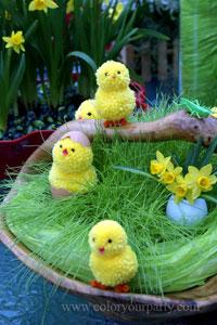 цыплята из помпонов к пасхе своими руками