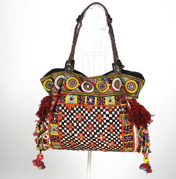 Vintage Textile Tribal Fabric Women Shoulder Bag 4 (589x600, 103Kb)
