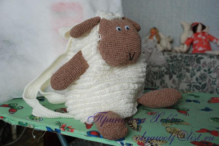 овца сбоку (700x469, 108Kb)